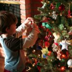 Tips on How to Put Up Your Christmas Tree Decorations Like a Pro